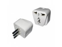 Adaptador de ficha universal a 3 en linea